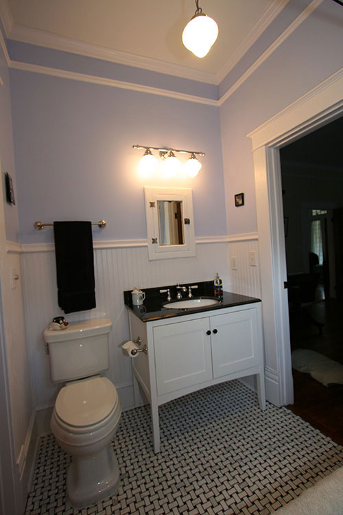 Traditional Black amp White Bathroom