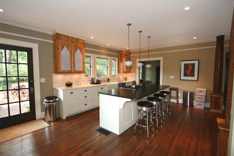 12 top kitchen design pointers for Tudor kitchen design